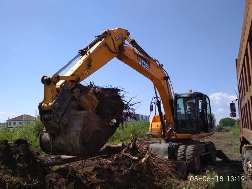 Расчистка участка на ВАСХНИЛе под строительство производственного корпуса